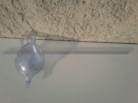 Műanyaglopó - víztiszta, anyagában szőlőmintás, 1 liter